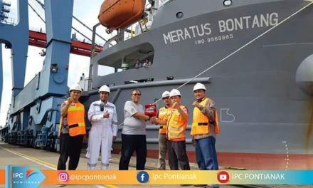 IPC Pontianak Serahkan Penghargaan Last Ship Call 2018 – First Ship Call 2019